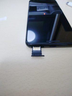 Pixel3 SIMスロット